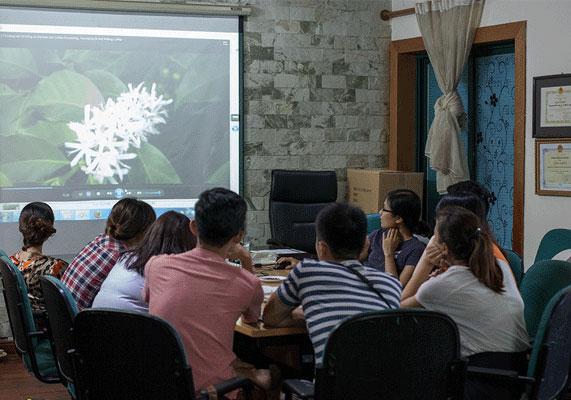 Đào tạo và hợp tác phát triển